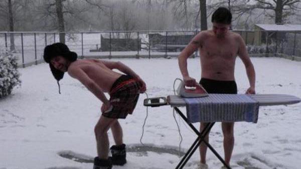 20 bilder på galna norrlänningar som aldrig tycks frysa